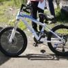 В День защиты детей новый велосипед вручили двум братьям из семьи, находящейся в трудной жизненной ситуации