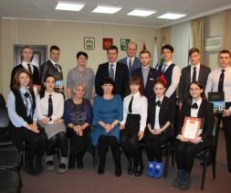 Мэр Тынды наградила лучших студентов